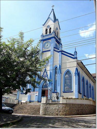 igreja-vila-abernessia-campos-do-jordao